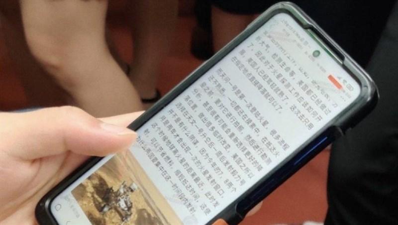 Xiaomi Redmi Note 10 dùng chip Dimensity 820 bất ngờ xuất hiện thực tế trên tay người dùng, hé lộ một số chi tiết quan trọng về thiết kế