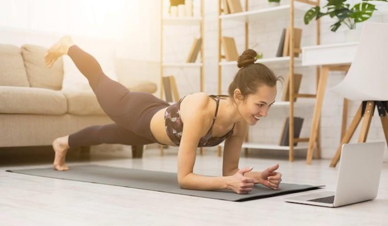 Gợi ý những bài tập thể dục đơn giản tại nhà mùa COVID để nâng cao sức khỏe