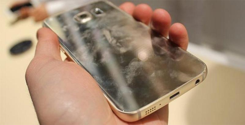 Nhược điểm vỏ điện thoại bằng kính