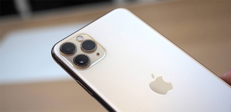 Điện thoại mặt lưng kính sang trọng