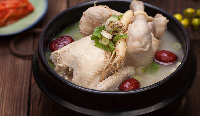 2 cách nấu gà hầm sâm Hàn Quốc vừa ngon miệng vừa bổ dưỡng, cả gia đình thích mê
