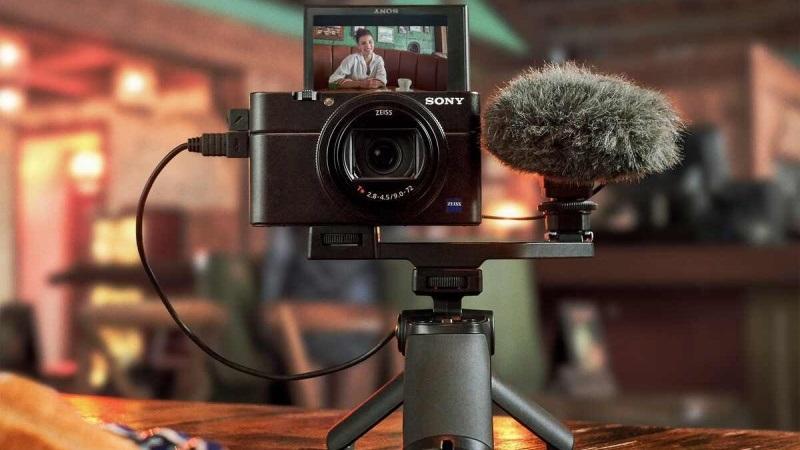 Hiện người dùng đã có thể sử dụng máy ảnh Sony làm webcam độ phân giải cao để live stream, gọi video nhóm