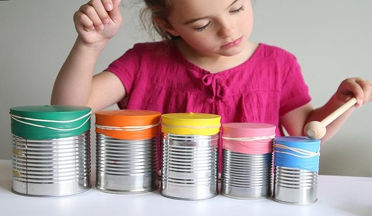 Tận dụng đồ bỏ đi trong nhà làm 5 đồ chơi cực thú vị cho bé