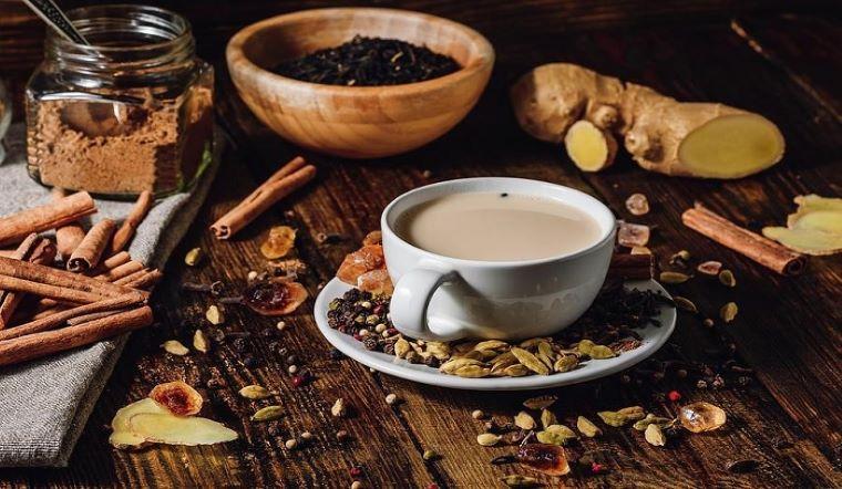 Học người Ấn Độ cách pha trà sữa kiểu mới vừa thơm ngon vừa tốt cho sức khỏe, không sợ béo