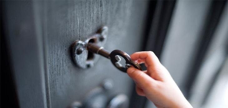 Ổ khóa kim loại xưa đã được dựa trên nguyên lý đòn bẩy