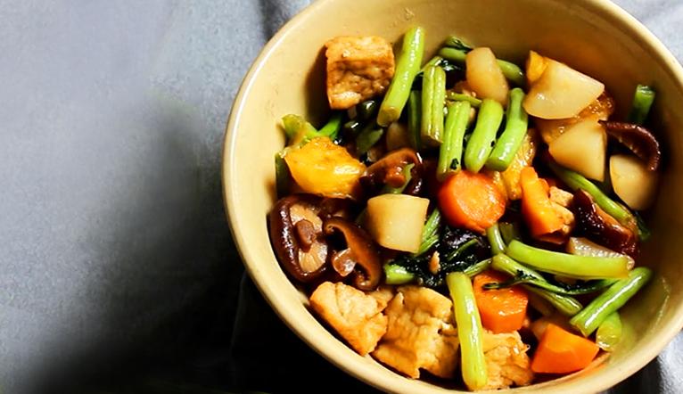 Cách kho rau củ chay đơn giản mà thấm vị cực ngon, ăn bao nhiêu cũng chẳng ngán