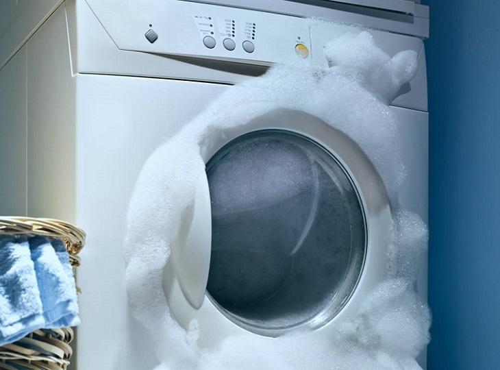 Nguyên nhân máy giặt bị trào bọt và cách khắc phục