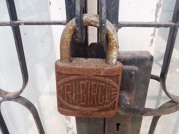 Mẹo khắc phục ổ khóa khi bị rỉ sét đơn giản và hiệu quả nhất