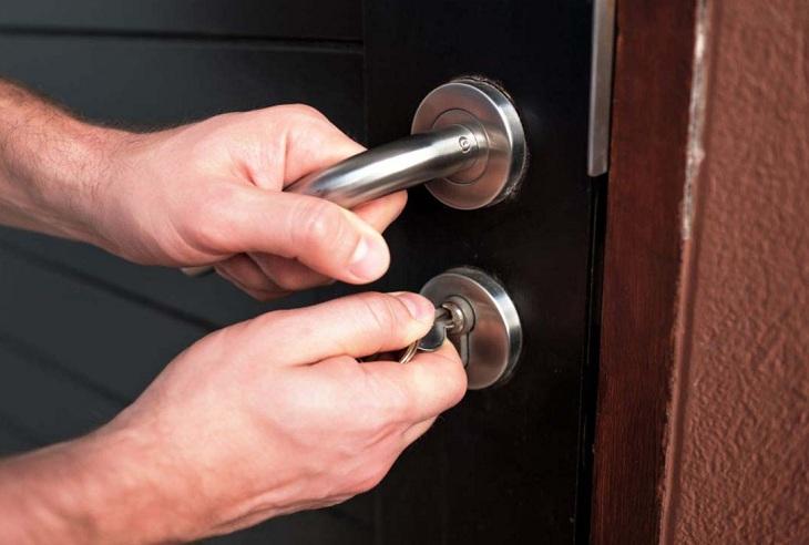 Mở chìa khóa bị gỉ