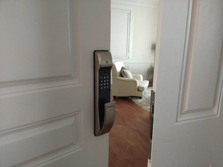 Khóa cửa vân tay là gì? Có an toàn không? Cách sử dụng?