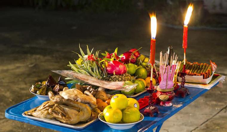 Phong tục cúng cô hồn ở các quốc gia khác có giống ở Việt Nam không?