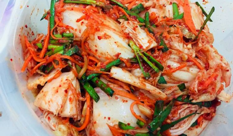 Kim chi không chỉ dùng để ăn kèm, xem ngay 10 món ăn nấu cùng kim chi khiến bạn mê quên lối về.