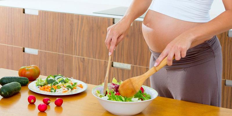 Cách ăn uống để mẹ đẹp bé khỏe trong thời kỳ mang thai