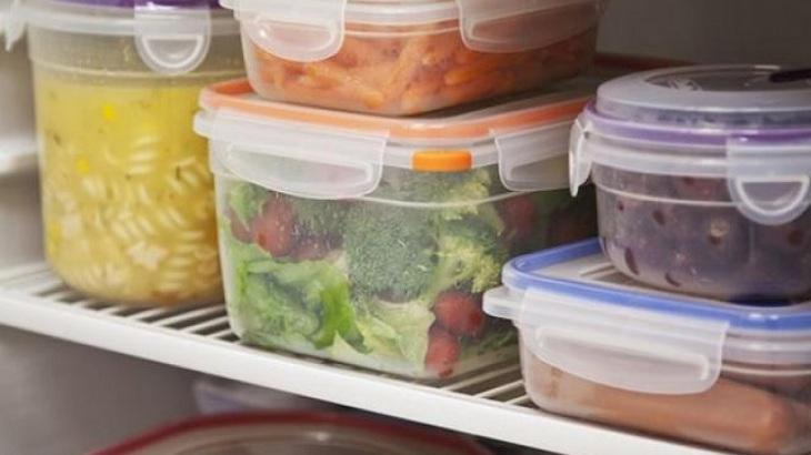 Hộp nhựa thường được sử dụng để bảo quản thực phẩm