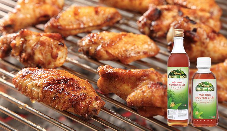 Bí quyết ướp thịt nướng bằng mật ong giúp thịt mềm vàng ươm thấm vị mà không bị cháy khét