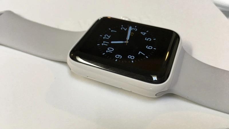 Với sự ra mắt của đồng hồ thông minh Apple Watch Series 6, nhà Táo ngừng sản xuất các mẫu Apple Watch bằng gốm
