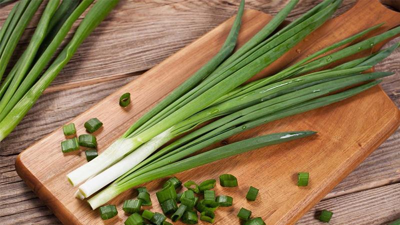 Hành lá, hành tây, hành tím và tỏi loại nào bổ dưỡng hơn?