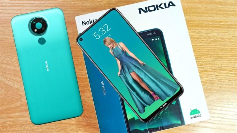 Nokia 3.4 sắp ra mắt rồi đấy, thiết kế của smartphone này vừa xuất hiện tại FCC với màn hình 'nốt ruồi' cùng cụm camera tròn mặt sau