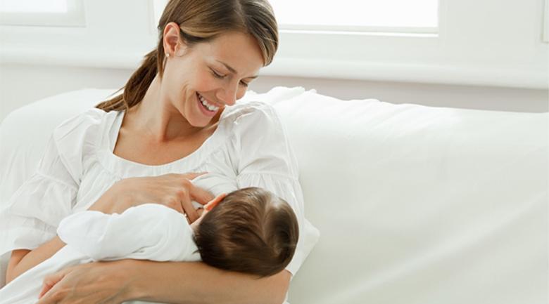 Công dụng miếng lót sữa cho mẹ và bé