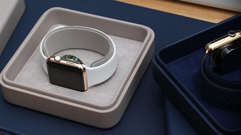 Apple loại bỏ bộ sạc 5 W trên Apple Watch Editon và Apple Watch Hermès