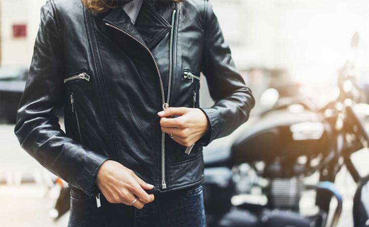 Bí quyết giúp bảo quản áo da bền lâu