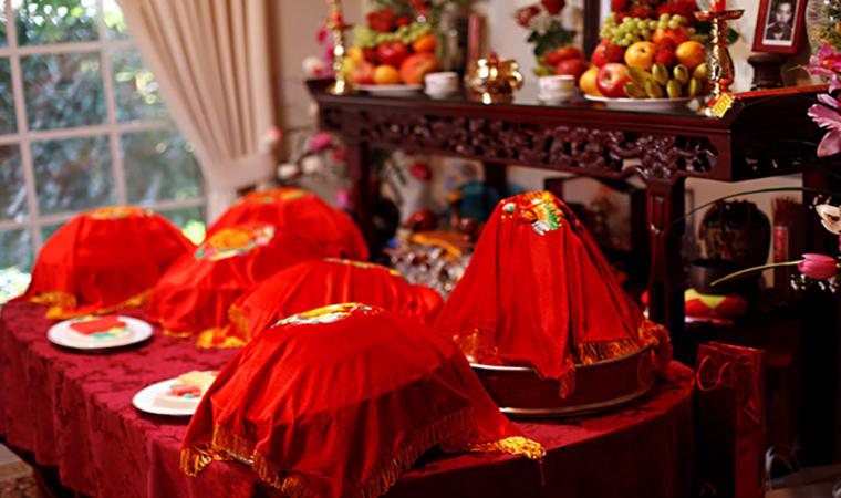 Cách bày trí bàn thờ gia tiên ngày cưới ấn tượng, đầy đủ nhất cho cả 3 miền