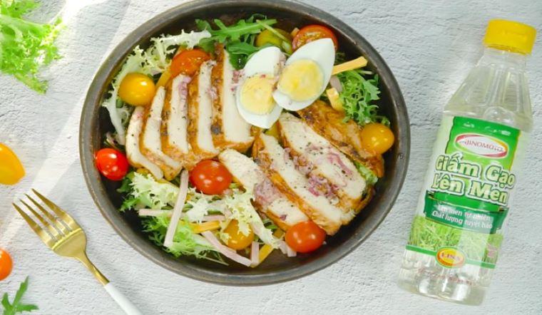 Ăn sáng với món salad ức gà vừa no bụng lại còn giúp giảm cân cực hiệu quả