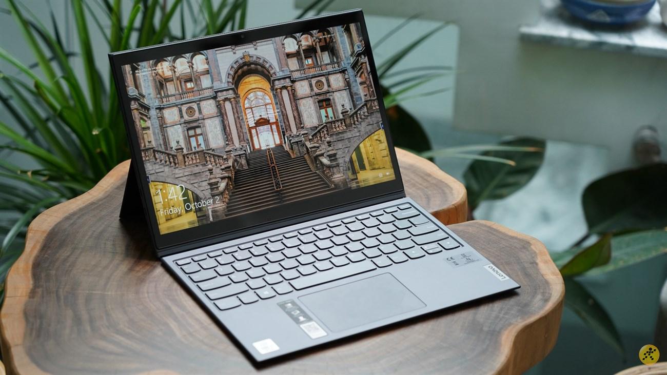 Lenovo Yoga Duet 7 cho màn hình có góc nhìn rộng