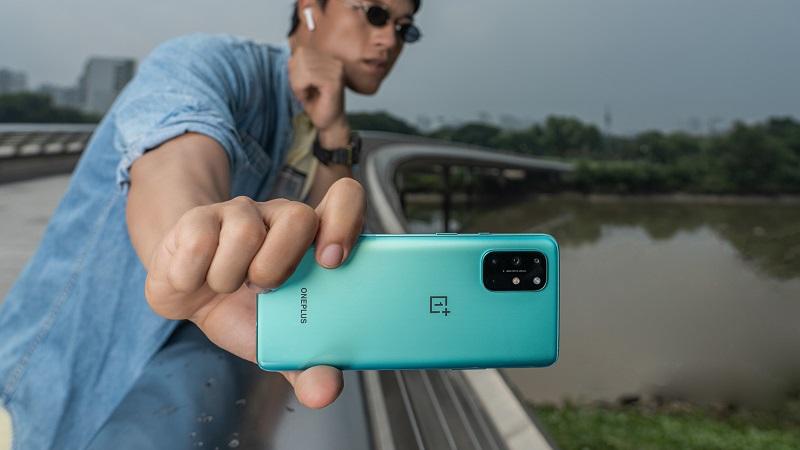 OnePlus 8T 5G ra mắt: Cấu hình khủng, 4 camera sau, giá 18.99 triệu