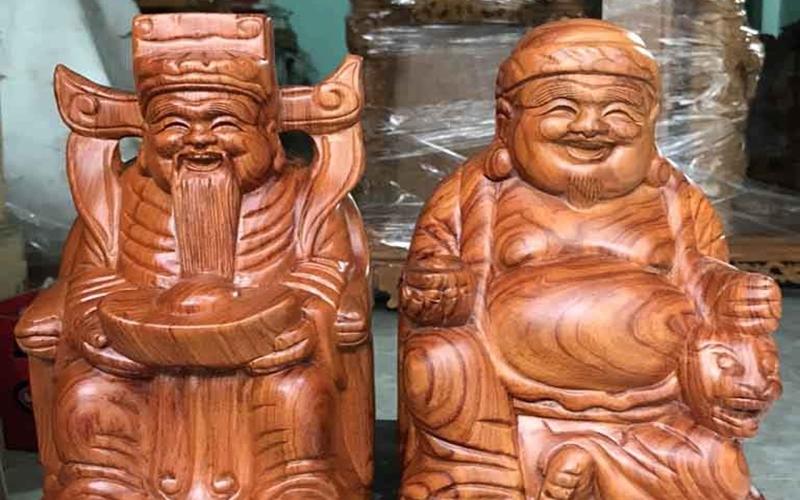Mẫu tượng gỗ