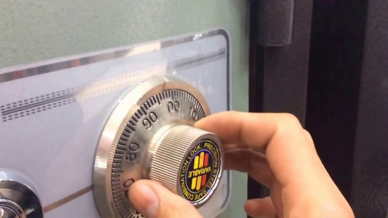 két sắt khóa cơ