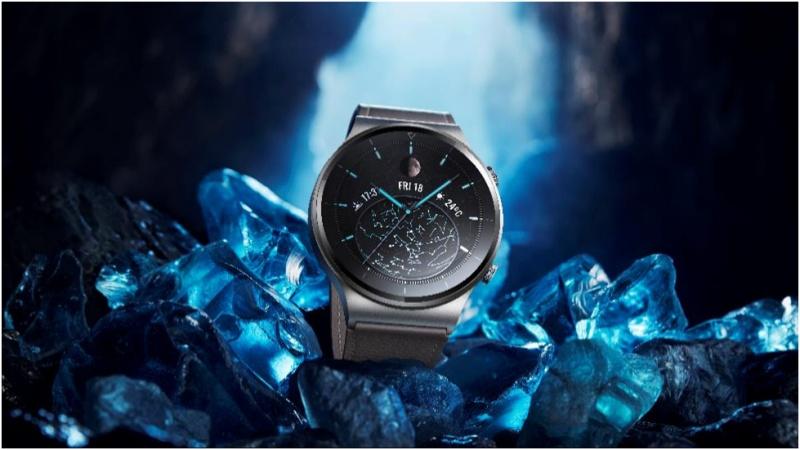 Huawei Watch GT2 Pro ra mắt tại Việt Nam: Pin liên tục 2 tuần, hỗ trợ sạc ngược không dây, giá từ 8.990.000 đồng