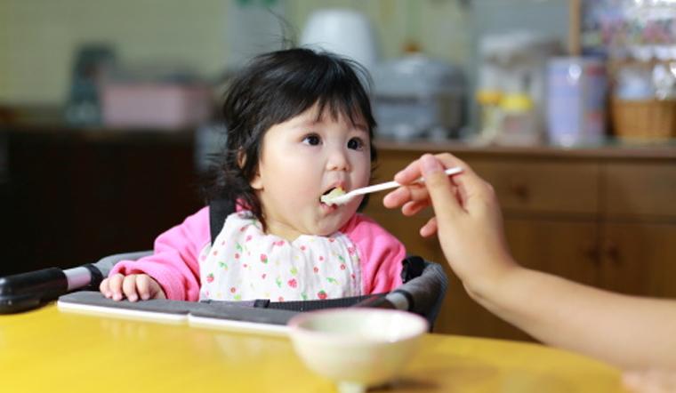 Thực đơn ăn dặm cho bé 1 tuổi, biếng ăn cấp mấy cũng trở nên ham ăn chóng lớn