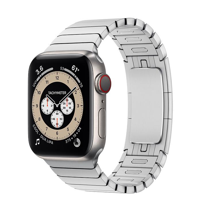 Apple Watch 6 vỏ titan bạc