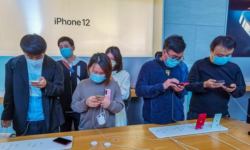 Màn hình iPhone 12, iPhone 12 Pro bị người dùng phàn nàn dễ trầy xước chỉ sau vài ngày sử dụng, có thật vậy không các bạn?