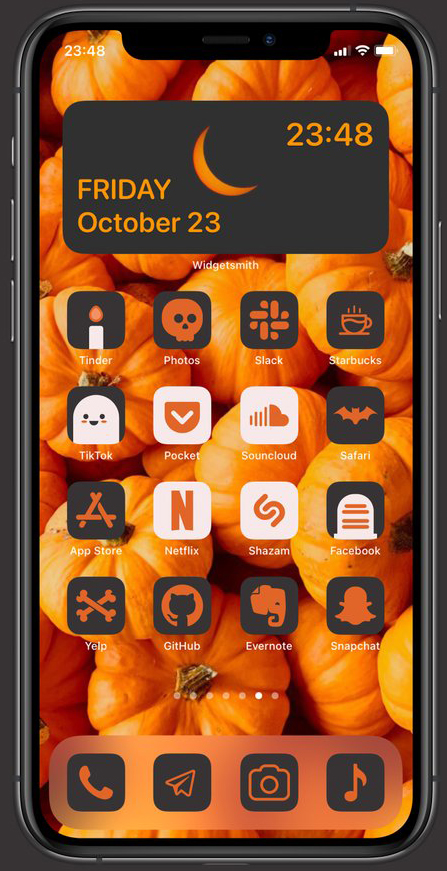 Cach-tuy-bien-giao-dien-iPhone-Halloween
