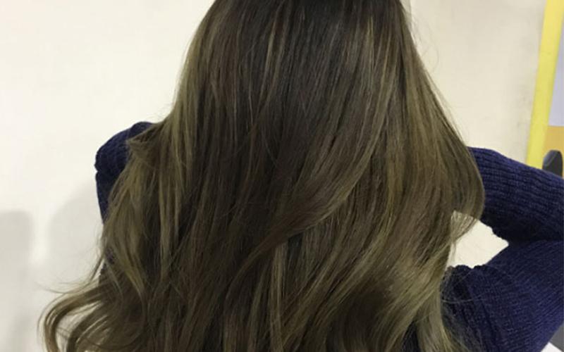 Mái tóc dài màu nâu rêu truyền thống