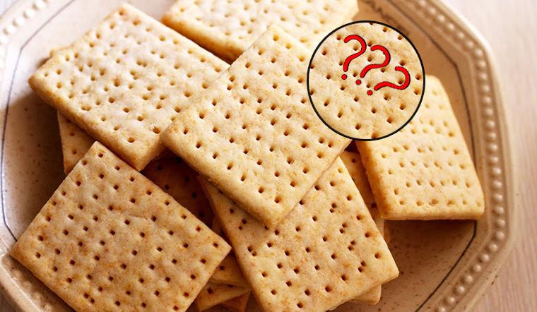 Ăn bánh quy cả chục năm nay nhưng bạn có biết vì sao trên bánh quy có nhiều lỗ nhỏ