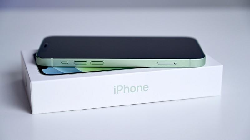 Vì sao iPhone 12 mini lại ra mắt trễ, Apple đang suy tính gì?