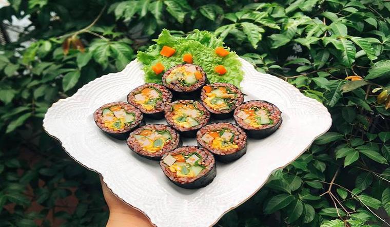 Muốn ăn kimbap mà ngại tăng cân thì đã có ngay kimbap gạo lứt