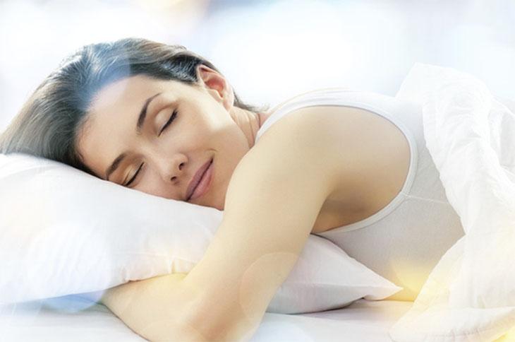 Sử dụng bồn ngâm chân giúp mang lại giấc ngủ ngon