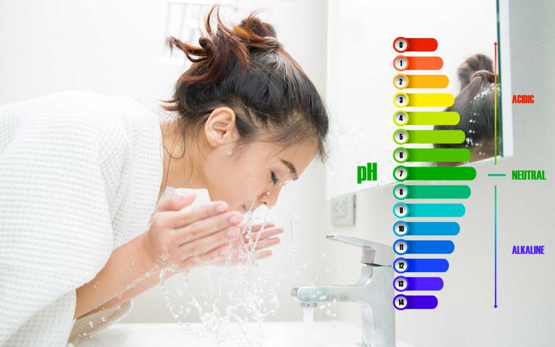 Độ pH là gì? Vì sao nên sử dụng sữa rửa mặt có độ pH trung bình?