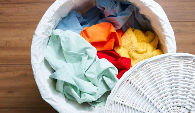 Đồ bị co rút sau khi giặt làm như thế nào để giãn trở lại như mới?
