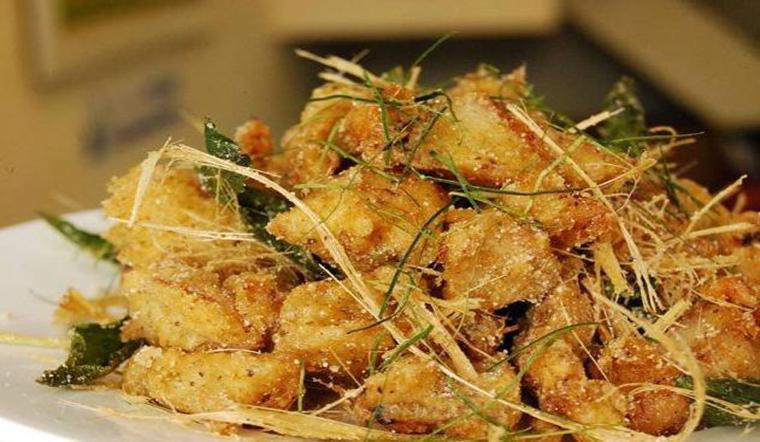Đãi cả nhà bữa ăn ngon tuyệt vời với món gà chiên lá é giòn ngon dậy mùi