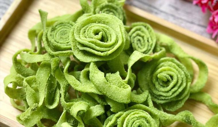 Cách làm mứt dừa hình hoa hồng nhiều màu cực đẹp nhìn chẳng nỡ ăn