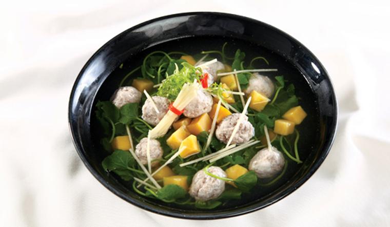 Đậm đà miền quê với món canh rau má khoai lang thanh mát ngọt bùi