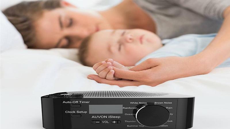Nên đặt máy tạo tiếng ồn trắng cách trẻ ít nhất 20cm