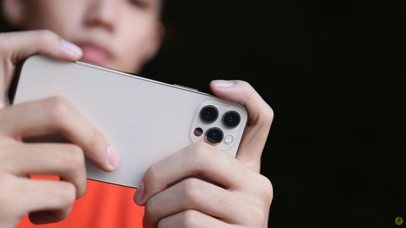 Chiếc iPhone 12 Pro được trang bị con chip Appe A14 Bionic