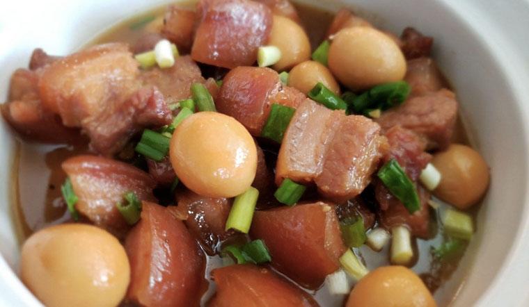 Cách làm thịt kho tàu không cần nước dừa, thịt mềm rụm lên màu đẹp
