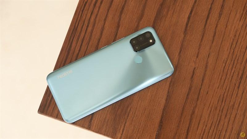 Chiếc Realme C17 màu xanh ngọc